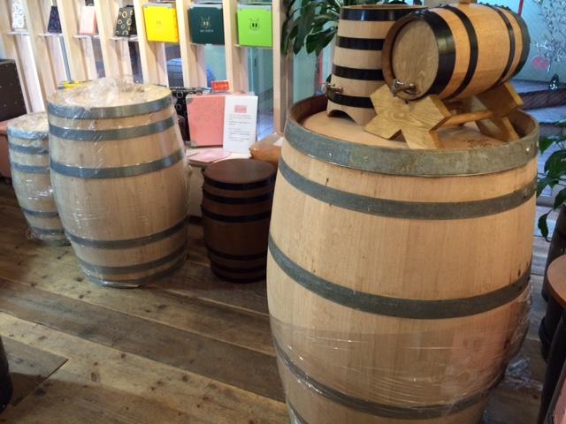 20161101ワイン樽輸入IMG_6755.JPG